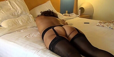 masseuse babe pussyfucked after rubdown