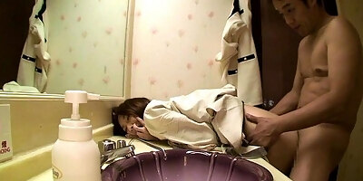 japanese beauty pussylicked and fingered