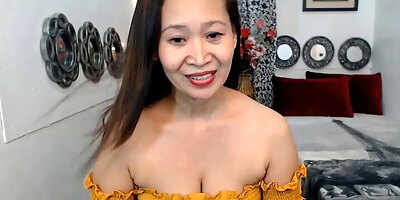 mature mommy