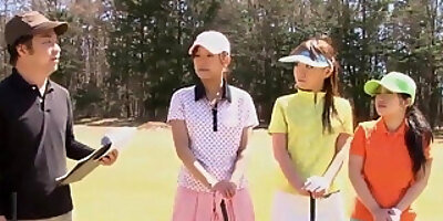 bimbo golf player has a fat dick to suck on